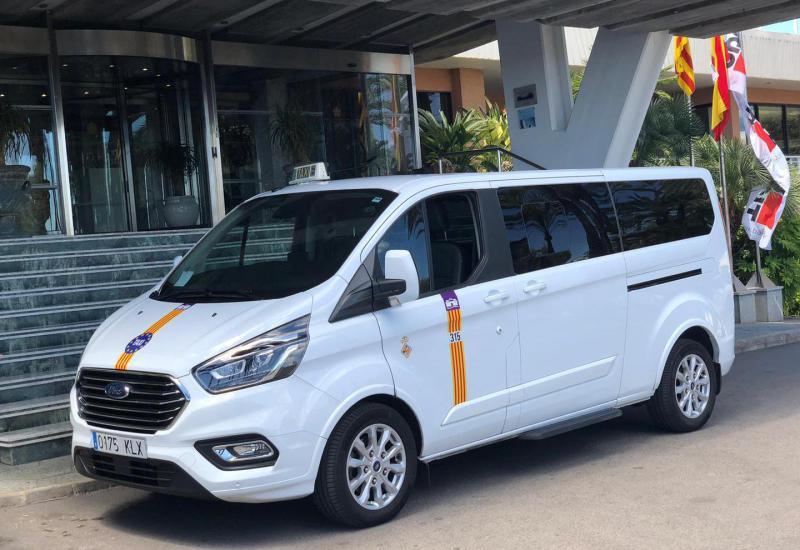 Taxi et transferts de l'aéroport vers Cala Sant Vicente